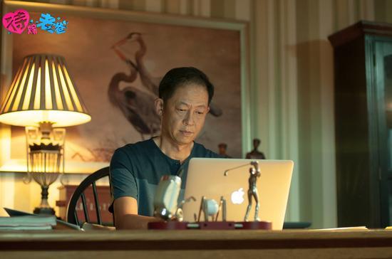 王志文扮演工作成功的大叔