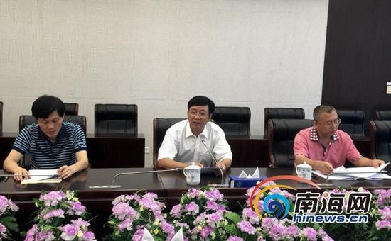 6月2日上午,海口市人大召开新闻发布会,公布了《海口市防控和处置违法建筑若干规定》具体内容。