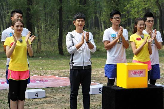 张晓龙与选手