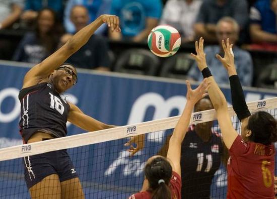 阿金拉德沃扣球-美国排球杯中国女排0 3美国 中美对抗无缘开门红