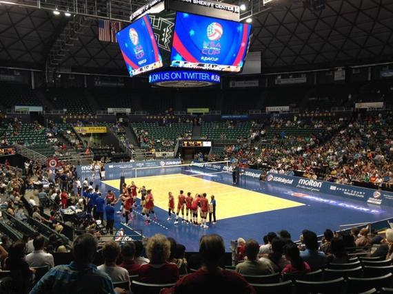 美国杯首战夏威夷大学体育馆
