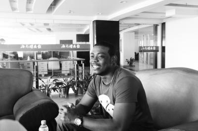 苏里南共和国留学生莫里