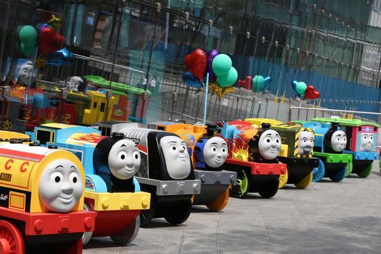 国贸携史上最全小火车 为托马斯完美庆生    逼真的多多岛场景