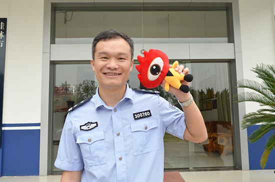因为执着所以优秀——刘瑞长。图为刘瑞长接受新浪广西采访