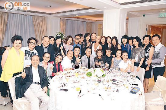 人缘极佳的刘嘉玲开派对庆祝荣登剧后。