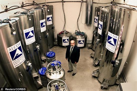 图为亚利桑那州的阿尔科生命延续基金会,是一家冷冻保存公司。在这儿,人们将自己的身体或头部保存在液氮中。最新研究显示,用来保存这些人体的技术——假如真能让他们复活的话——能够使记忆保存完好无损。