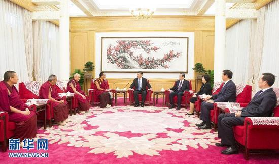 6月10日,中共中央总书记、国家主席、中央军委主席习近平在北京中南海接受班禅额尔德尼·确吉杰布的拜见。