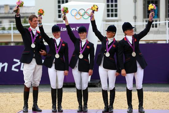扎拉·菲利普斯参加伦敦奥运会夺得奖牌