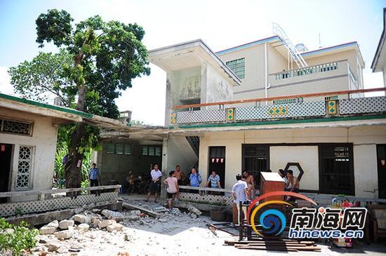 6月11日,椰林镇城南村委会排山村第五社建起了占地面积624平方米、建筑面积382平方米的2栋建筑现场图。