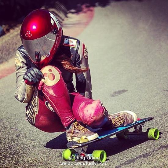 欧弟老婆玩滑板