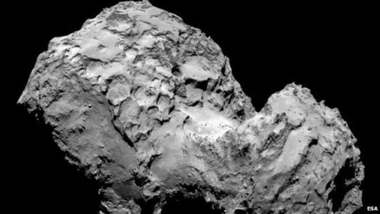 经过10年征途,罗塞塔飞船携带菲莱着陆器与67P彗星交会