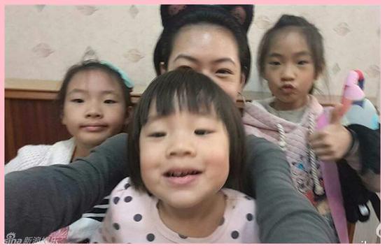小S与女儿们