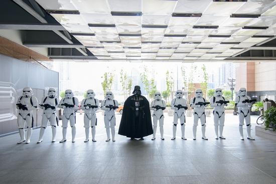 《星球大战》上影节热映-黑武士与暴风兵游行