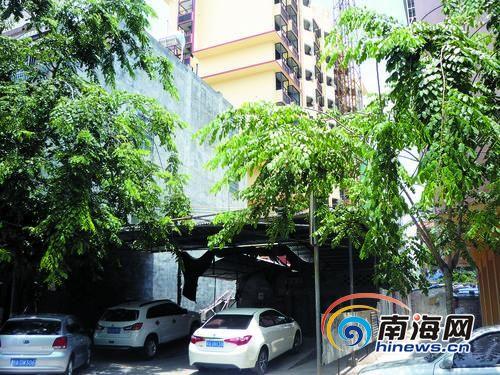 屯昌占道洗车场是违建被曝光2年仍屹立不倒。