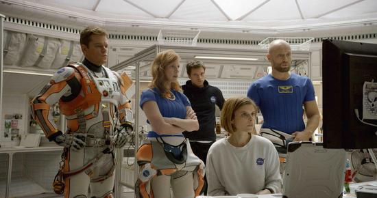 马特・达蒙与他的队友,影片中其他几位演员也已亮相