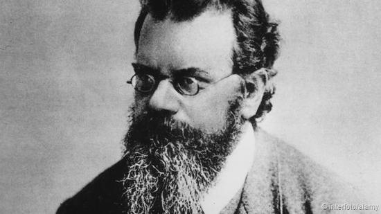 时间为什么会有方向?第一位认真思考这一问题的人是一名生活在19世纪晚期的奥地利物理学家路德维希·玻尔兹曼(Ludwig Boltzmann)