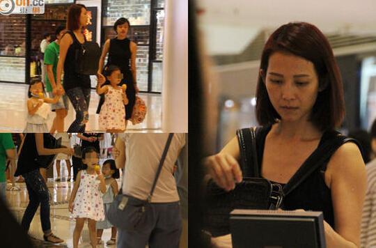 蔡少芬携同女儿现身商场