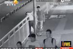 视频:蠢贼盗窃得手后银行分赃 行踪全暴露被抓