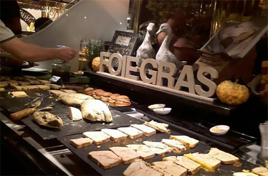 小心撑破肚皮的全球十大自助餐厅