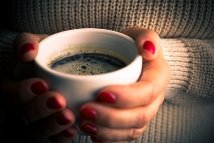 对相关研究结果的系统性总结表明,目前大多数证据均支持饮用咖啡。