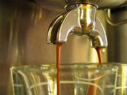 咖啡的相关研究来源于基于人群的观察研究项目,这些项目的重点在于发现联系,而非找出原因。