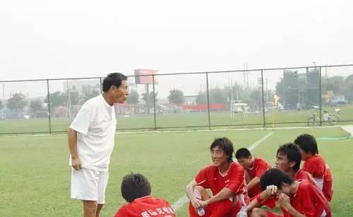 2006年,天津东丽队成立,沈福儒任主教练,不过这支球队在征战两年中乙联赛后便匆匆解散