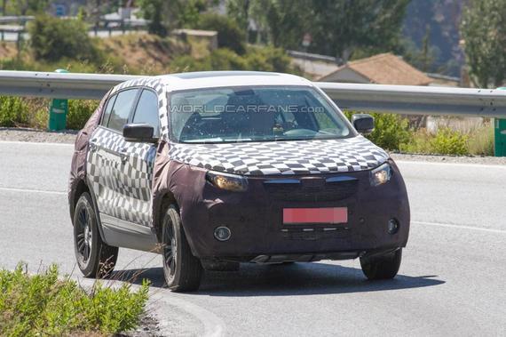 观致新款SUV欧洲路试谍照