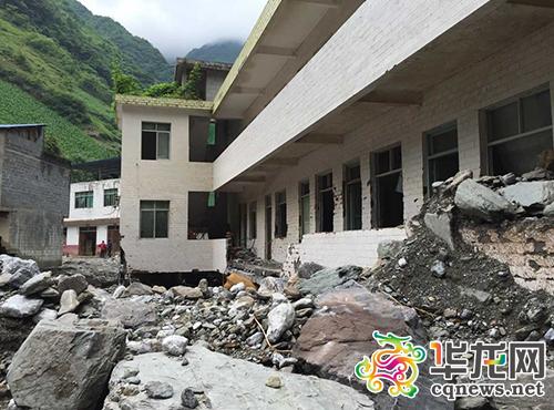 山洪过后建筑受损严重。 巫溪县消防大队供图 华龙网发