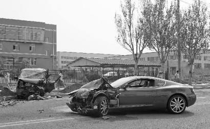 事故现场 新文化记者 史磊 摄