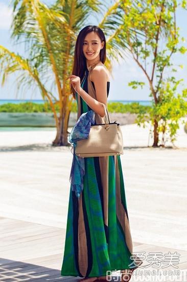 波西米亚露背长裙造型