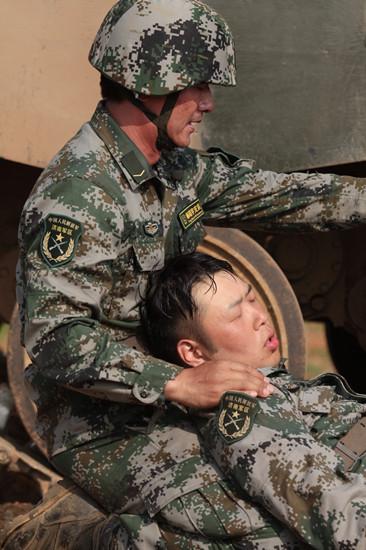 郭晓东战地救助杜海涛