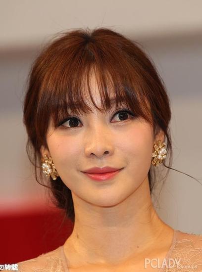 美容 美发 > 正文    空气刘海的而柳岩看上去确实多了一份小女人气息图片