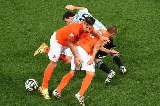 国际杯半决赛