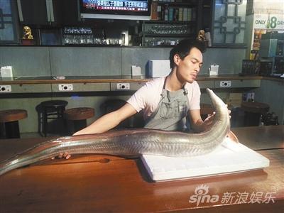 杨�v宁是餐饮业余身世,厨艺也被兄弟们称誉