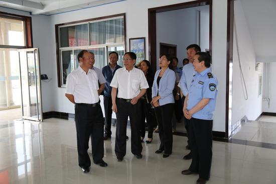 自治区副主席刘新乐在东乌珠穆沁旗旗调研食品药品监管工作