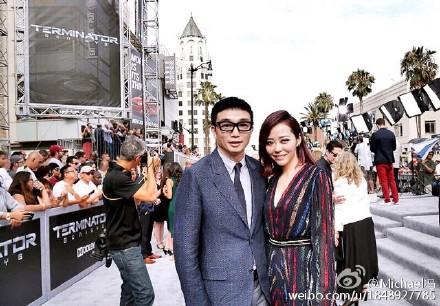 冯柯与张靓颖近期在美国的合照
