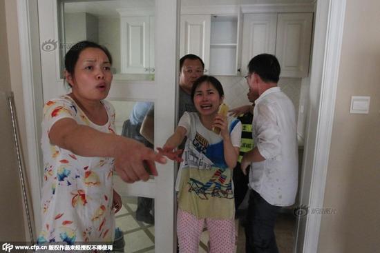 房价暴涨百万卖房者反悔 强收房误伤婴儿