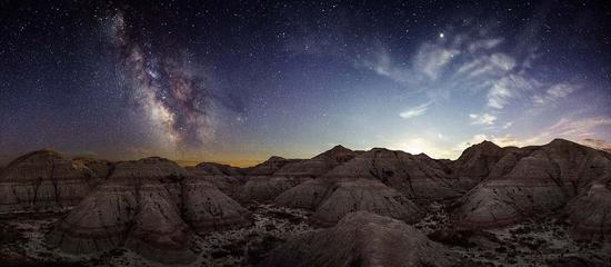 摄影师拍夏威夷夜景 最美不过漫天星辰图片