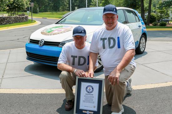 Volkswagen Golf TDI Clean Diesel 03