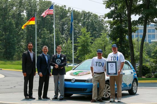 Volkswagen Golf TDI Clean Diesel 02