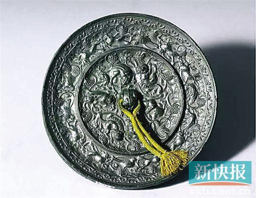 盛唐 狻猊葡萄鏡