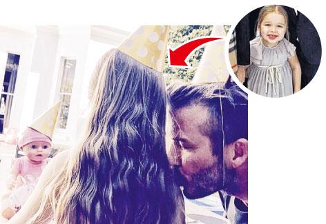 贝克汉姆亲吻女儿