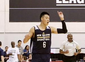 孟晓琦:贺天举的机会不在NBA