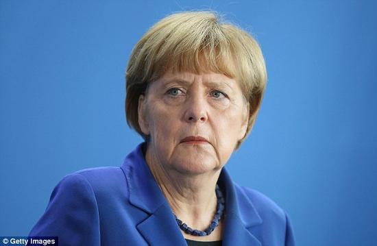 一场漫长的官司后,德国议会被要求发布有关UFO的机密文件。照片展示了德国总理安吉拉-默克尔。
