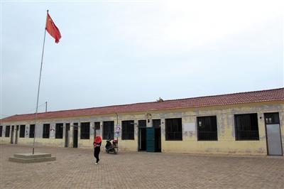 在这个村里唯一的幼儿园,12名幼女被老师性侵。新京报记者 周清树 摄