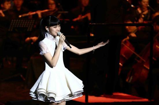 戴韩安妮演唱邓丽君典范歌曲