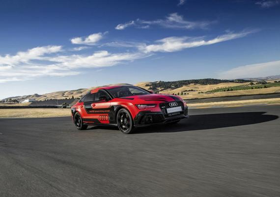 2015 Audi RS7 piloted driving concept 05