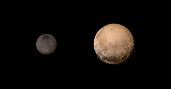 新视野号探测器拍摄的冥王星和冥卫一卡戎