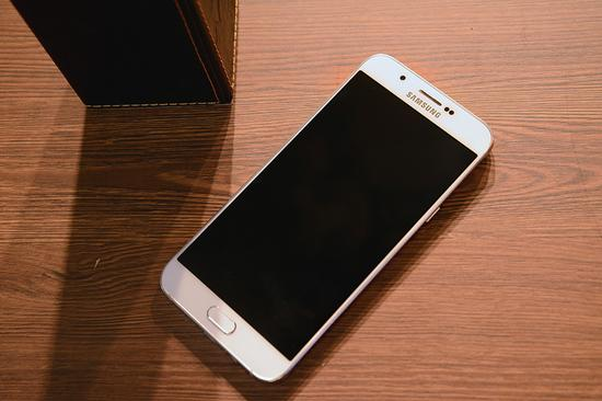 最流行的手机_明年手机最流行的技术是什么 这5大黑科技最有可能标配