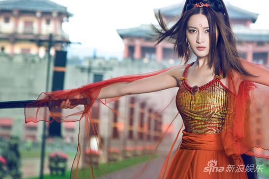 甘婷婷雍容红衣